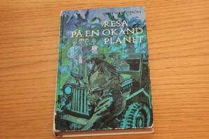 009-resa-pa-en-okand-planet-nyutgåva